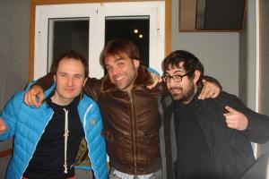 Els tres valents quan vam acabar el programa especial a les 6:30 de la matinada.